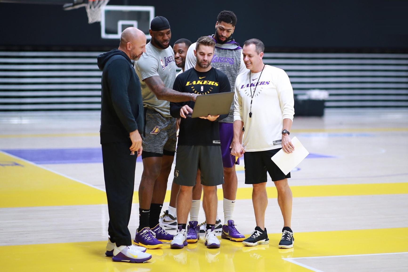 Jason Kidd, LeBron James, Dru Anthrop, Anthony Davis and Frank Vogel
