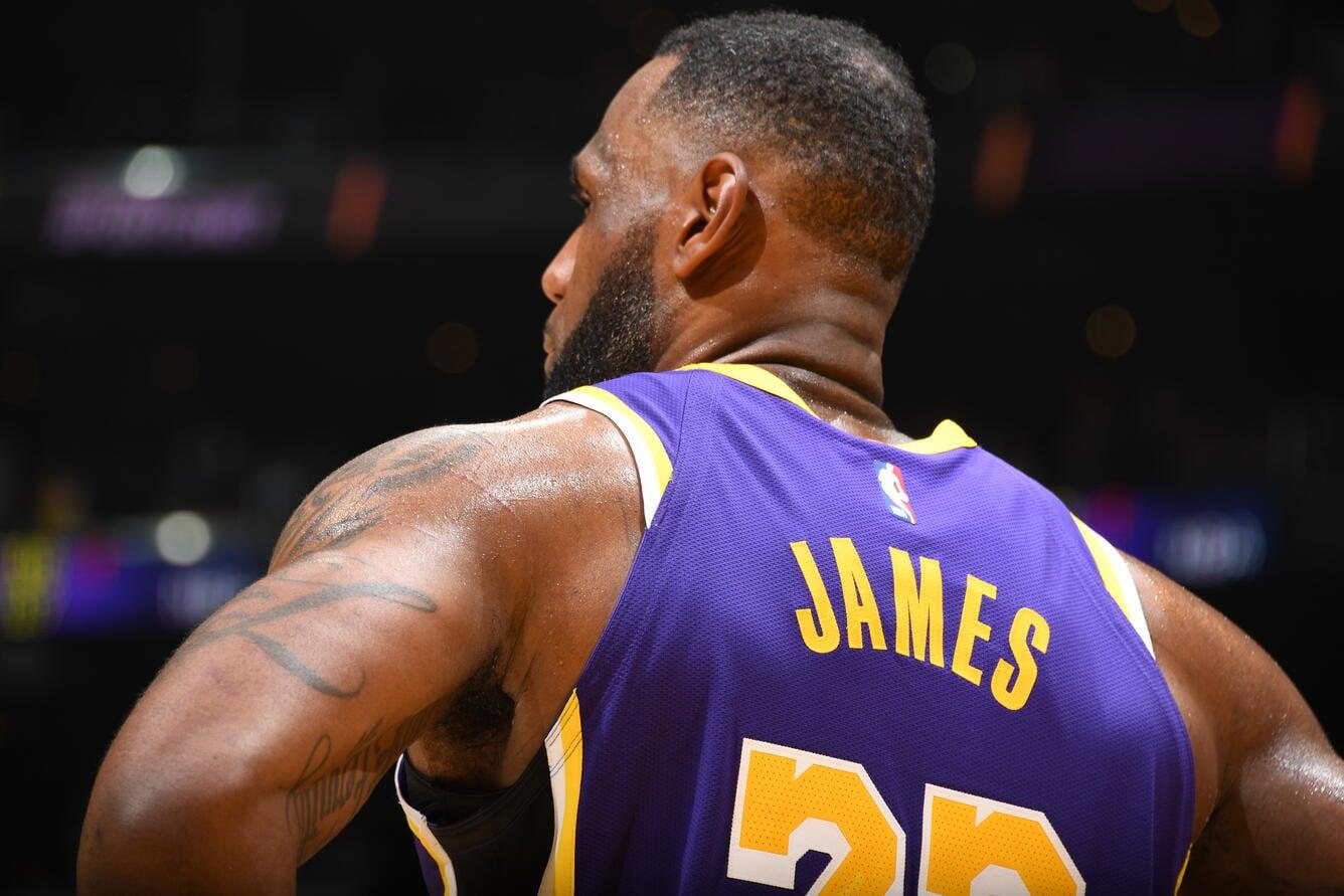 LeBron James, Los Angeles Lakers vs Sacramento Kings