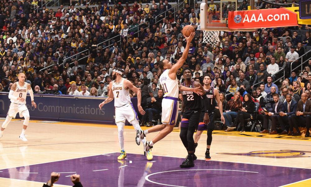 Avery Bradley, Los Angeles Lakers vs Phoenix Suns at STAPLES Center