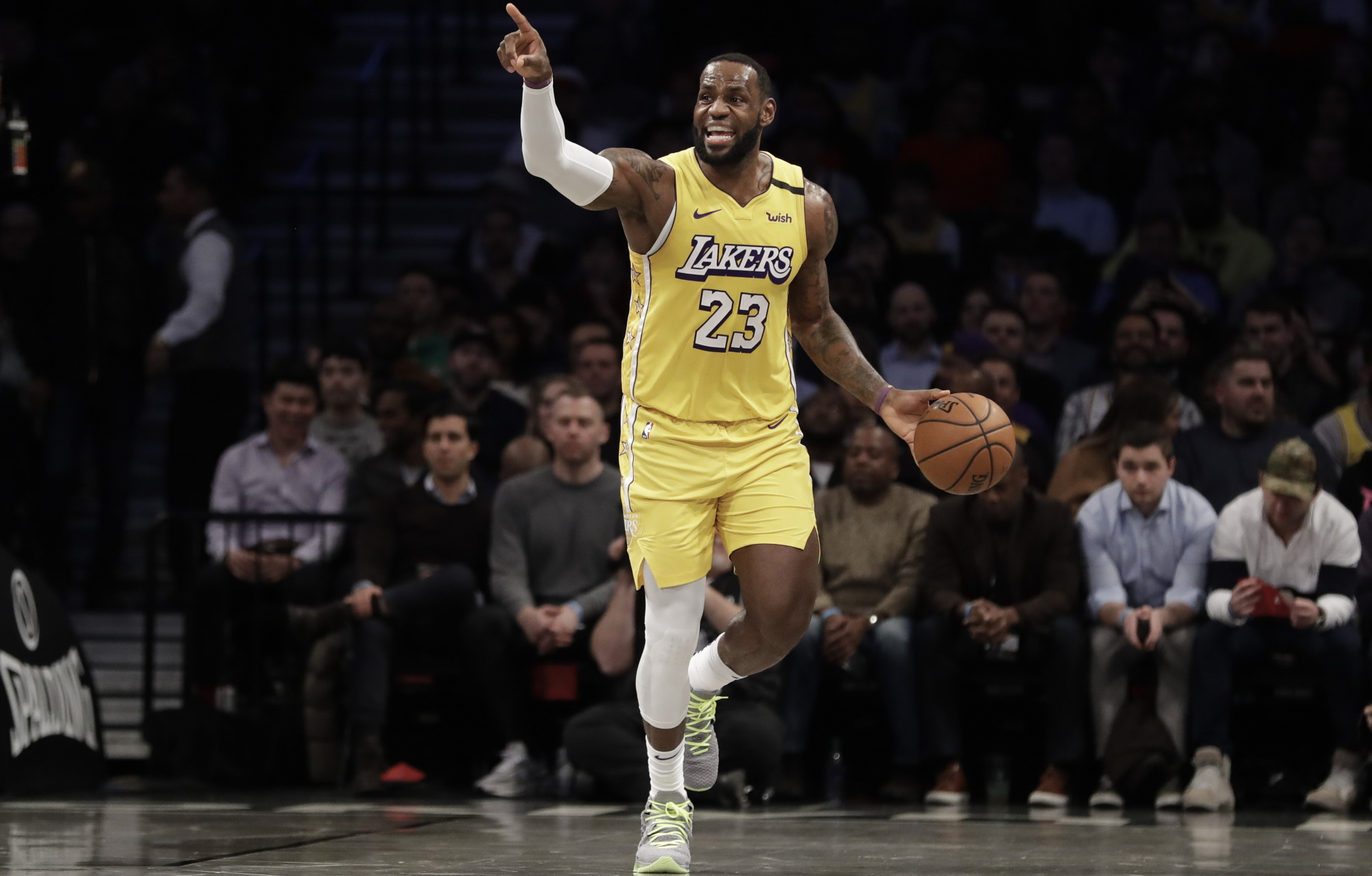 LeBron James, Los Angeles Lakers vs Brooklyn Nets at Barclays Cente