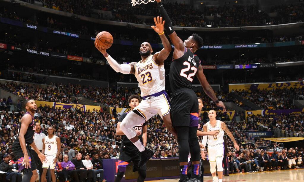 LeBron James, Los Angeles Lakers vs Phoenix Suns at STAPLES Center