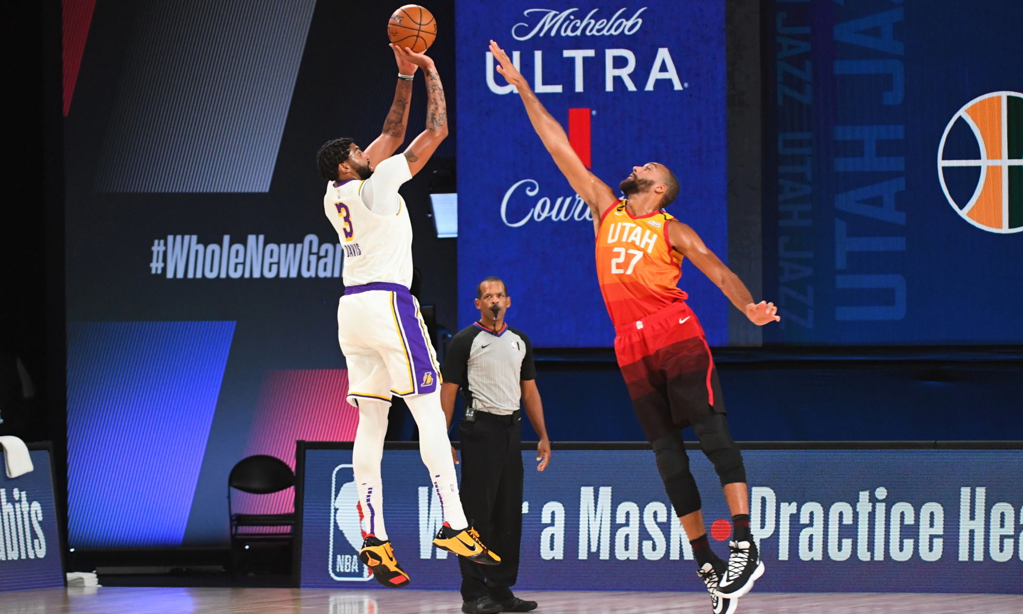 Anthony Davis #3 of the Los Angeles Lakers shoots the ball against the Utah Jazz on August 3, 2020