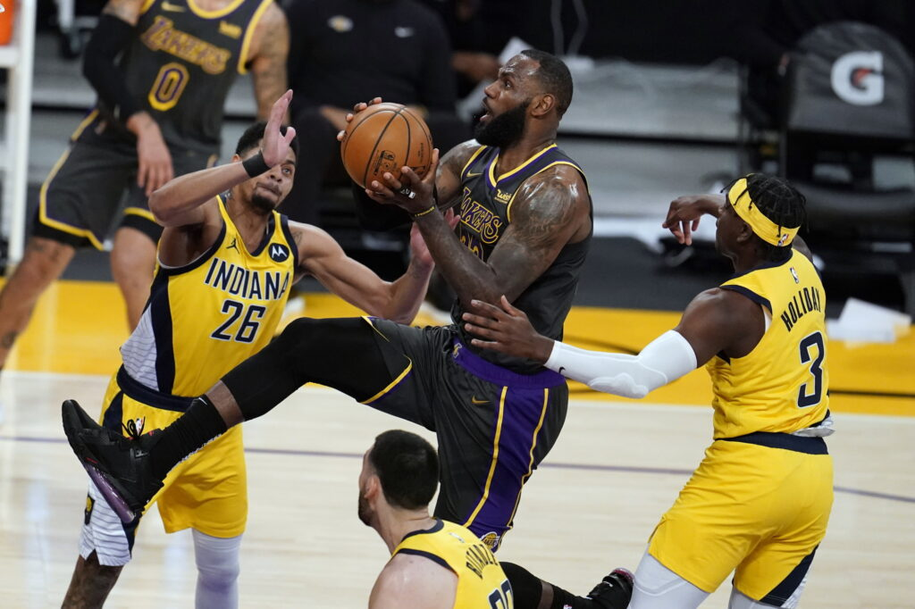 LeBron James with Jeremy Lamb and Aaron Holiday, Los Angeles Lakers vs Indiana Pacers