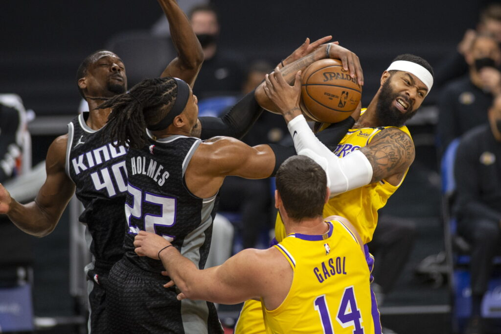 Markieff Morris and Richaun Holmes, Los Angeles Lakers vs Sacramento Kings